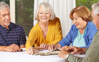 3 Advantages of Senior Living with a Group